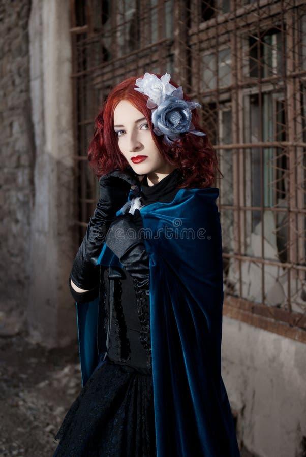 Donna gotica di redhead fotografia stock