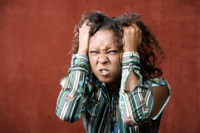 Donna graziosa arrabbiata del African-American fotografie stock