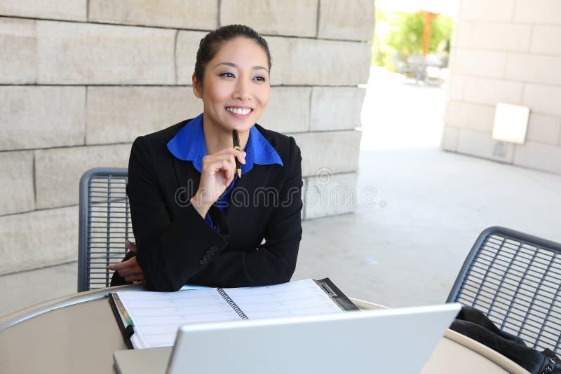 donna graziosa di affari asiatici immagini stock