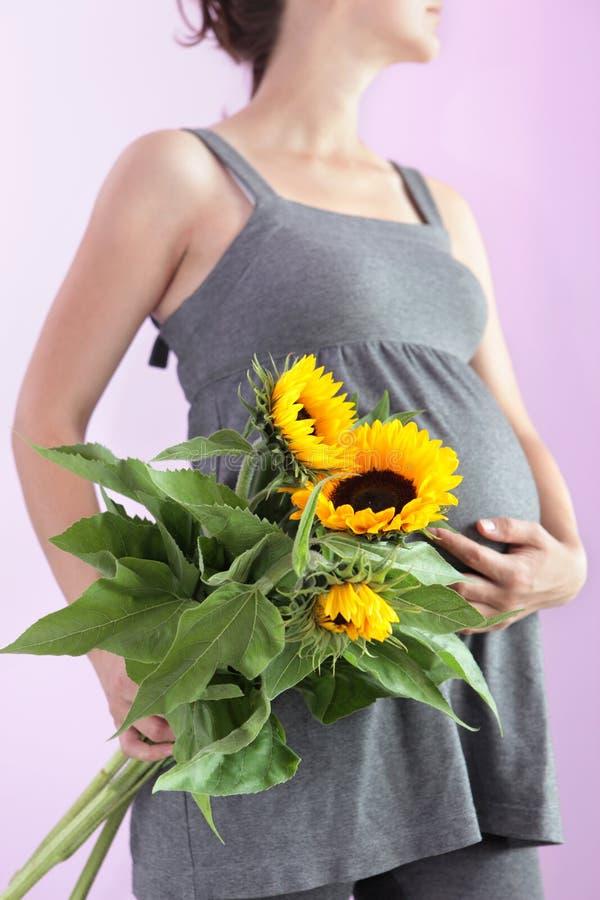 Donna incinta. fotografie stock libere da diritti