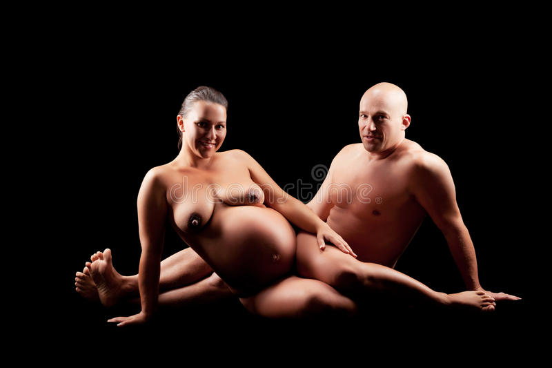 naked pregnant ladies reading
