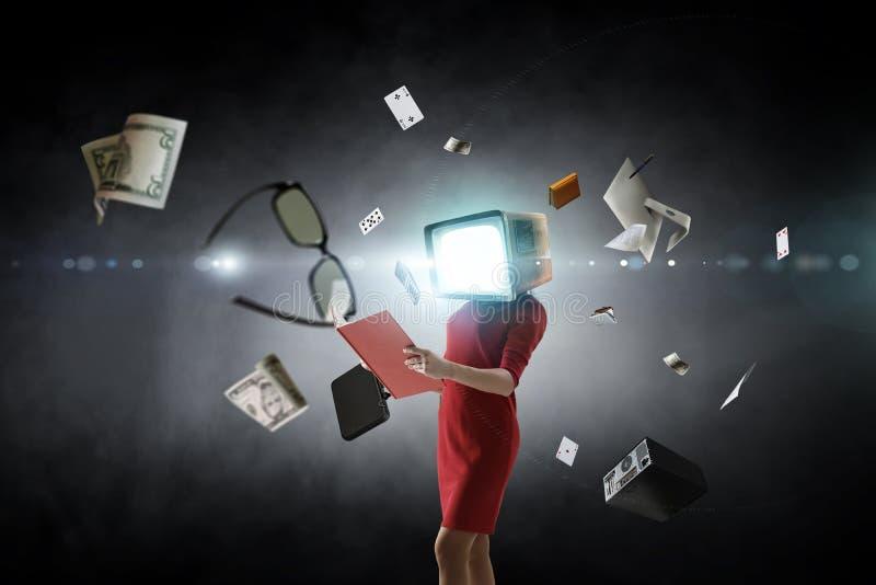 Donna intestata monitor d'annata Concetto di efficienza di affari Media misti immagine stock