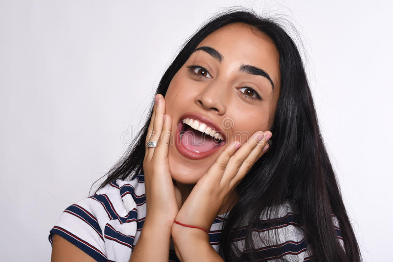 Donna latina sorpresa fotografia stock libera da diritti