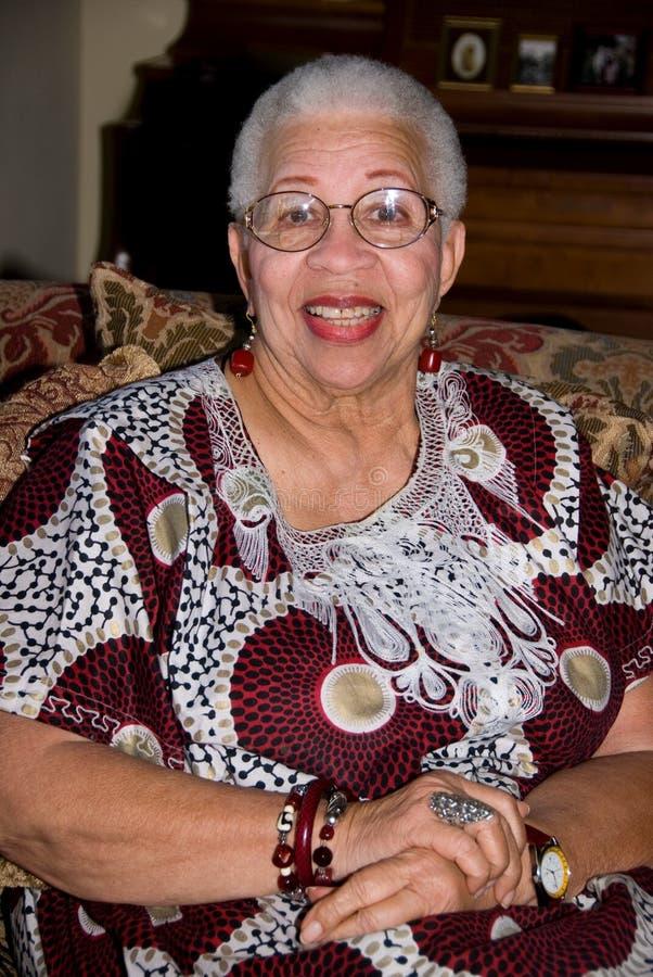Donna maggiore dell'afroamericano. fotografie stock libere da diritti