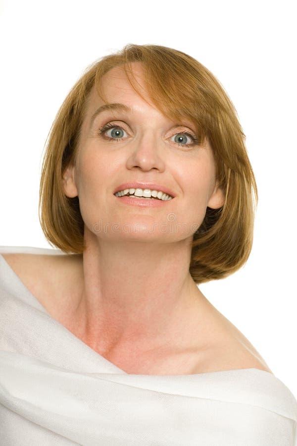 Donna matura attraente sorridente immagini stock