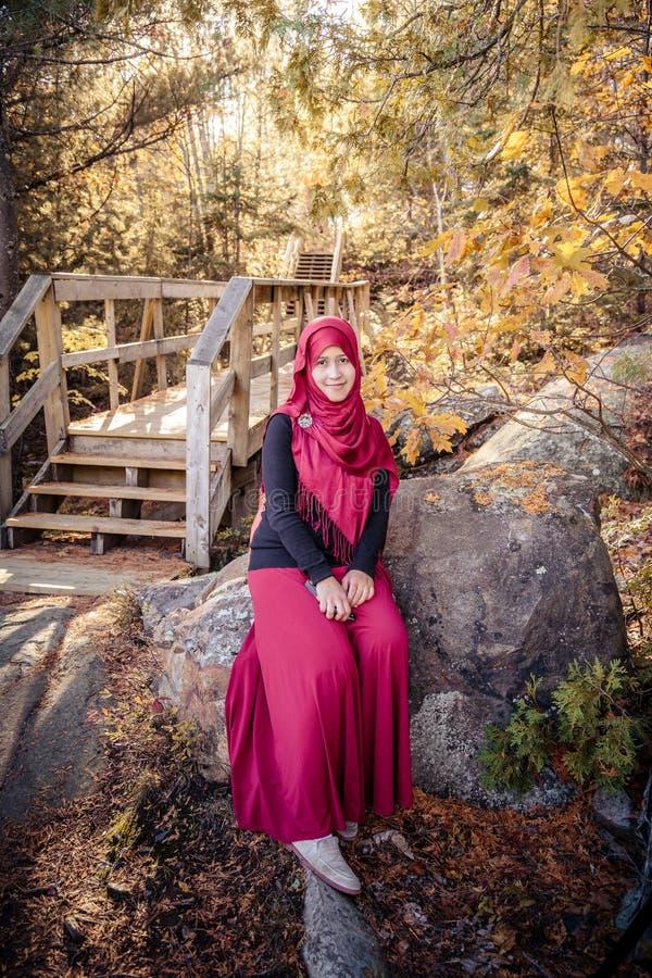 Donna musulmana incinta immagini stock libere da diritti