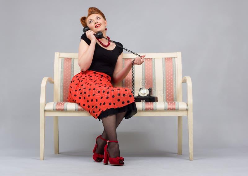 Donna nel retro stile fotografie stock libere da diritti