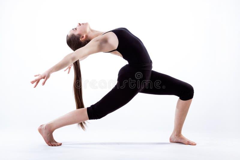 Donna nella posa di dancing immagine stock libera da diritti