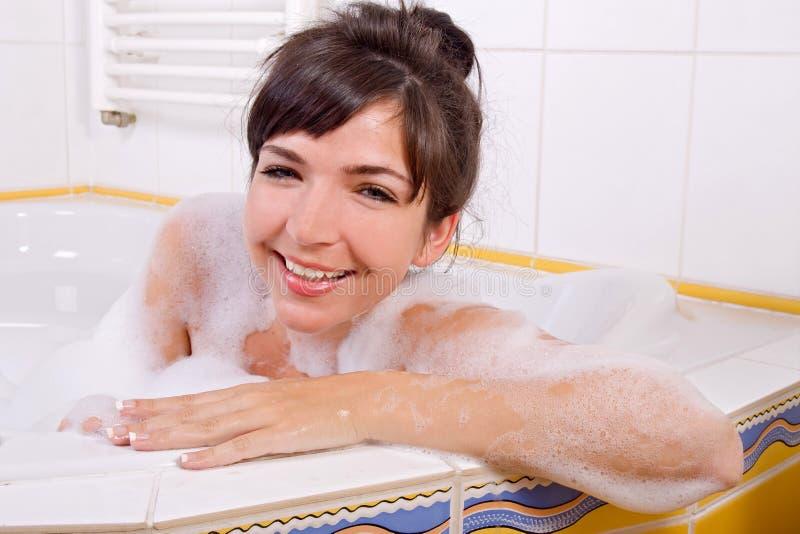 donna nella vasca fotografia stock libera da diritti