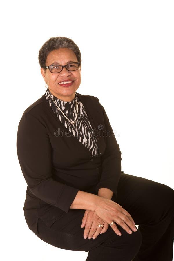 Donna più anziana attraente fotografie stock libere da diritti