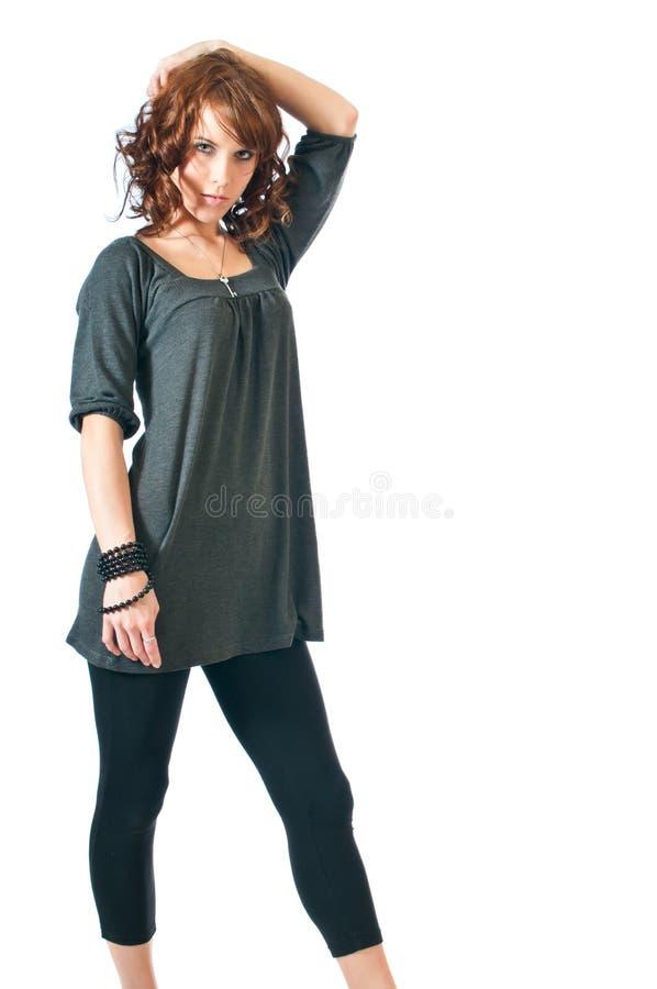 Donna polinesiana sexy con un cappello immagine stock