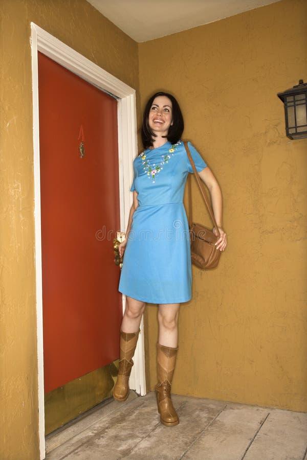 Donna in retro vestiti. fotografia stock libera da diritti
