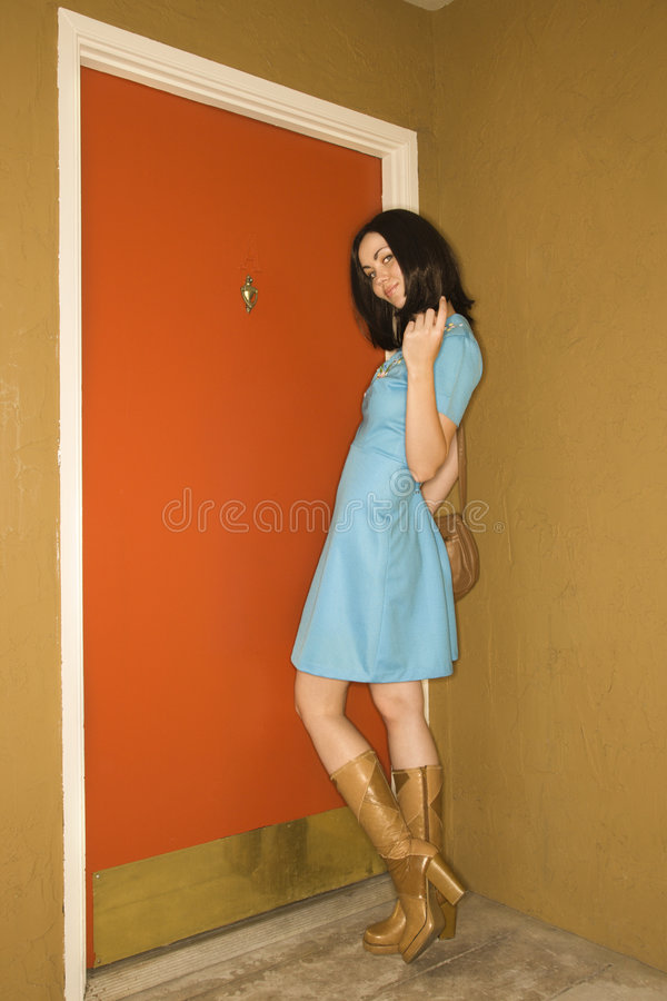 Donna in retro vestiti. immagine stock