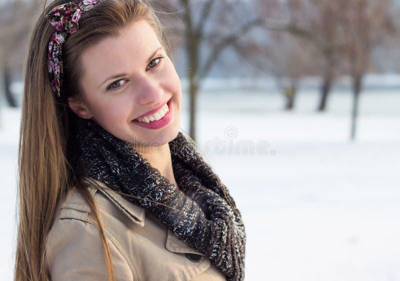 Donna schietta di inverno fotografia stock libera da diritti