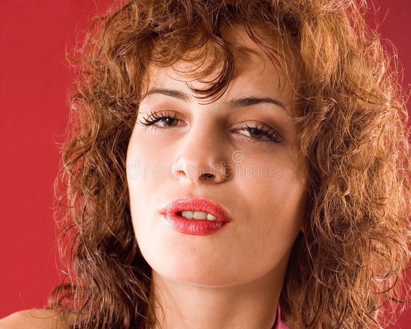 Donna sensuale del ritratto fotografia stock libera da diritti
