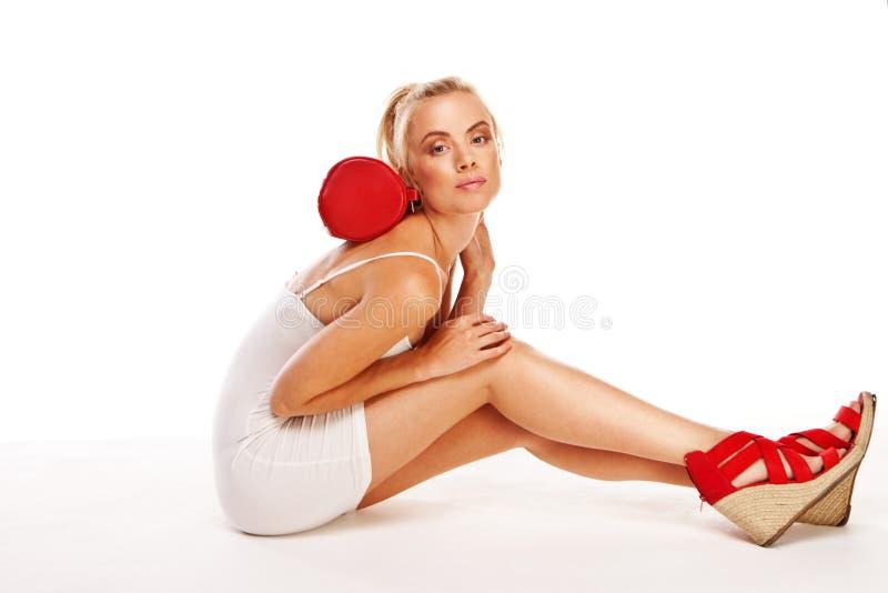 Donna sexy in miniskirt di estate fotografia stock libera da diritti