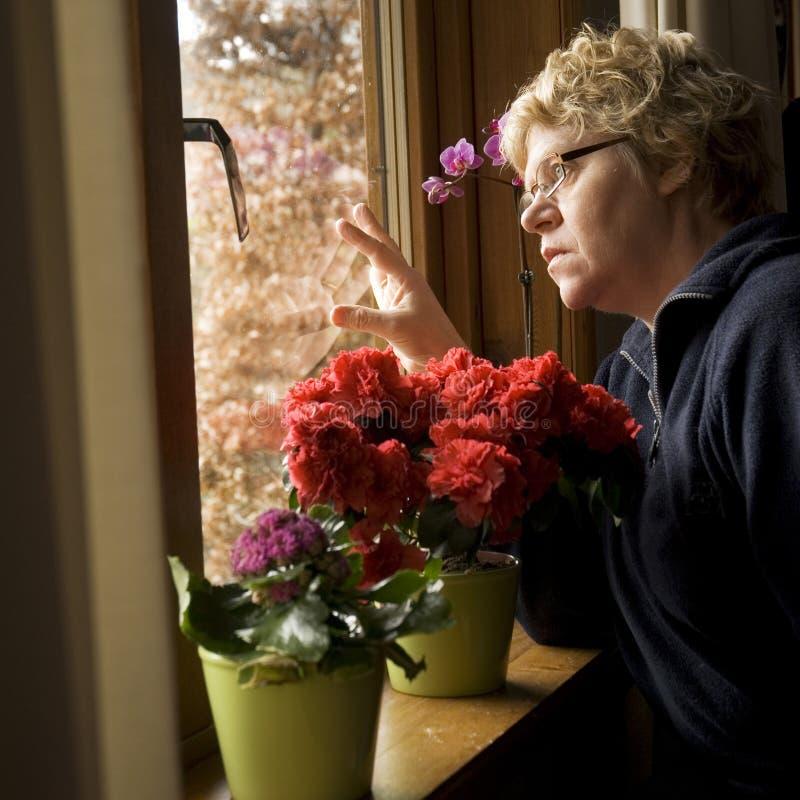 Donna solitaria fotografie stock libere da diritti