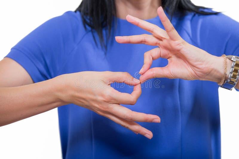 Donna sorda che usando linguaggio dei segni immagine stock libera da diritti