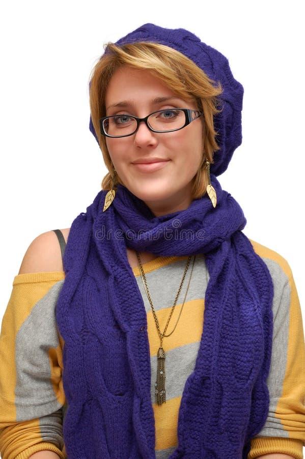 Donna sorridente in berreto fotografia stock