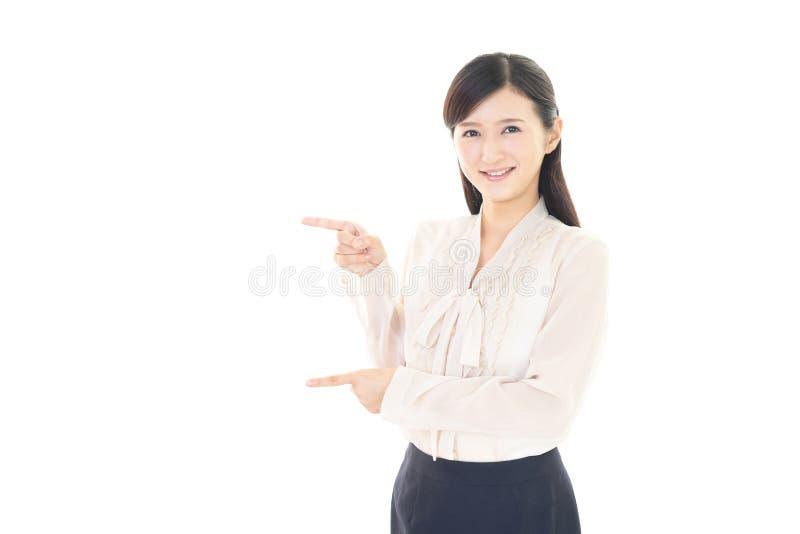 Download Donna sorridente di affari fotografia stock. Immagine di felice - 56882874