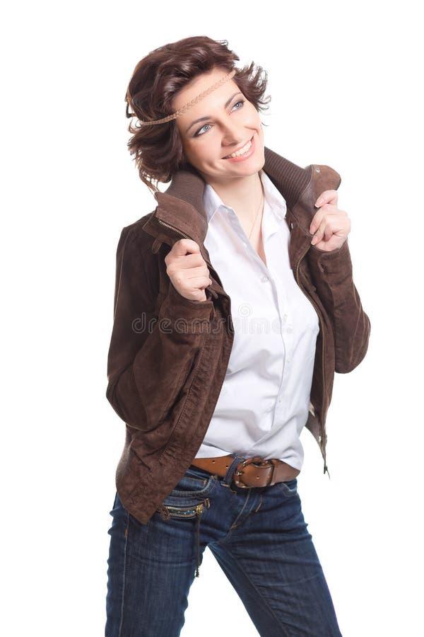 donna sorridente di modo in abito di autunno immagine stock