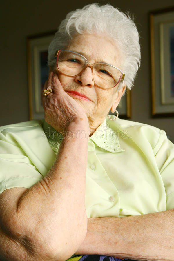 donna sorridente maggiore fotografia stock libera da diritti