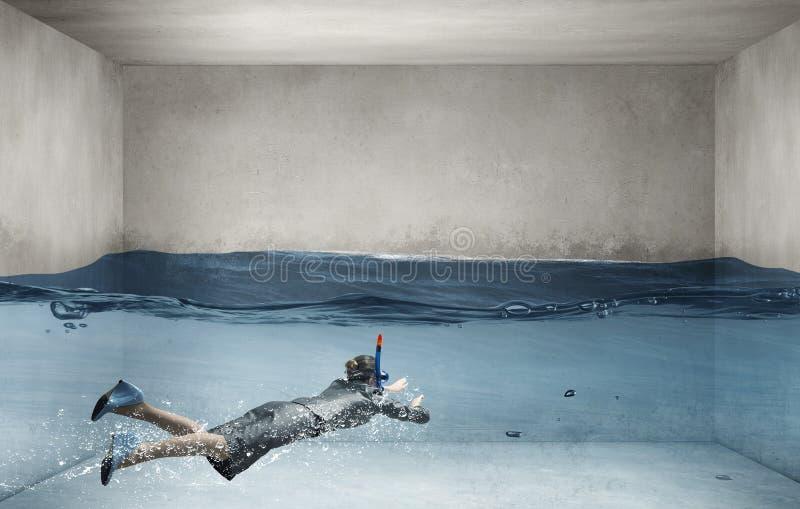 Donna sotto acqua fotografia stock libera da diritti