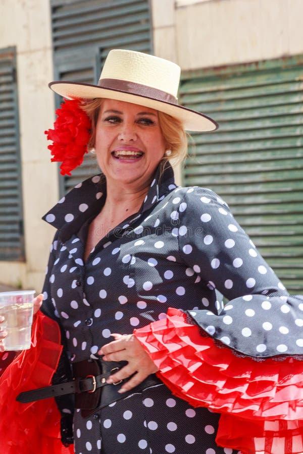 Donna spagnola in costume immagine stock