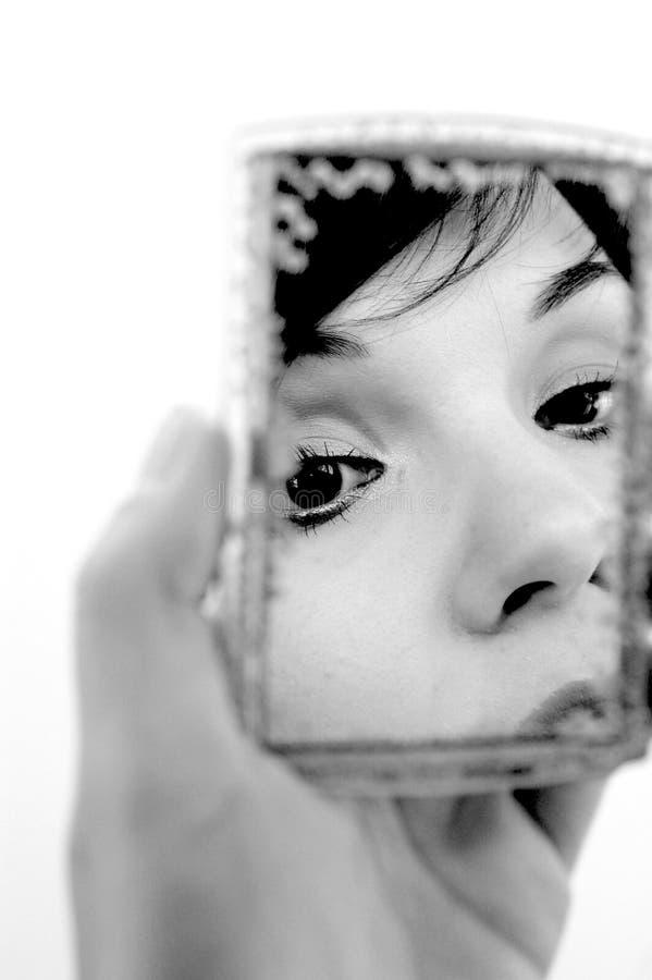 Donna in specchio #4 immagini stock