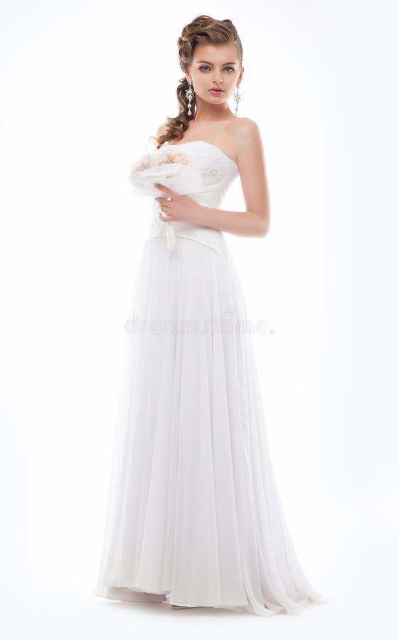 Donna splendida in vestito nuziale da modo bianco immagini stock