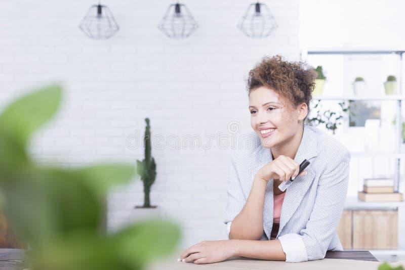 Donna sul lavoro fotografia stock libera da diritti