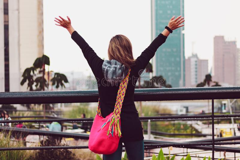 Donna sulla vacanza a Bogota Colombia fotografia stock libera da diritti