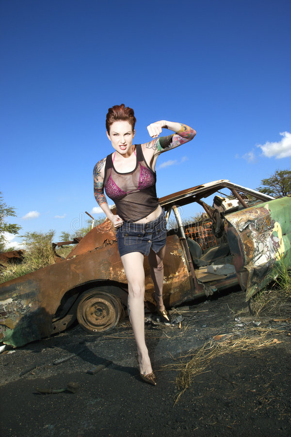 Donna tatuaata sexy. fotografia stock libera da diritti