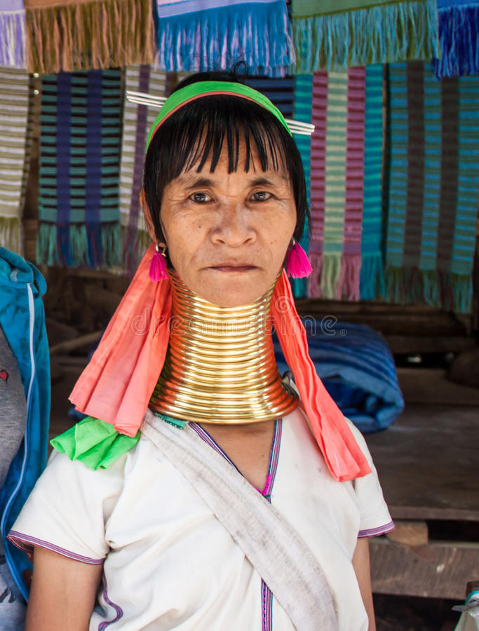 Donna tribale di Karen fotografia stock libera da diritti