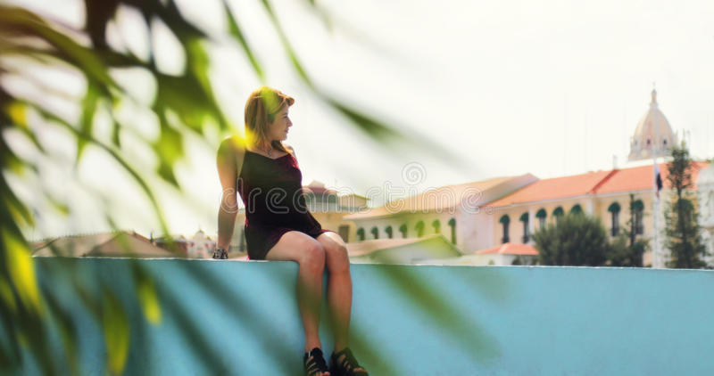 Donna turistica che Vacationing in Panamá Casco Antiguo fotografie stock