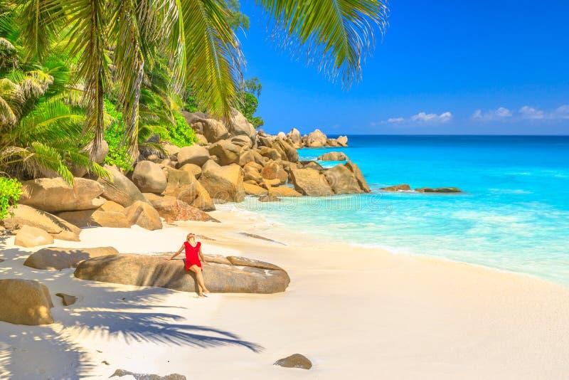 Donna turistica di Anse Georgette immagini stock