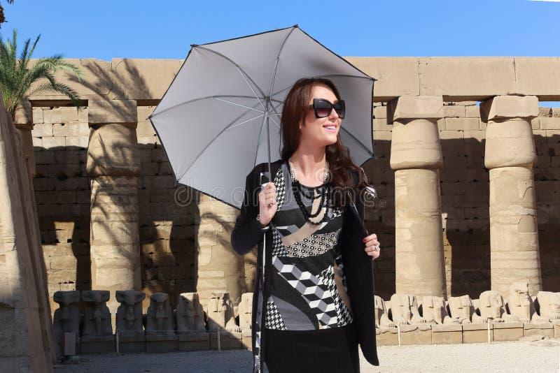 Donna turistica a Luxor - l'Egitto immagine stock libera da diritti