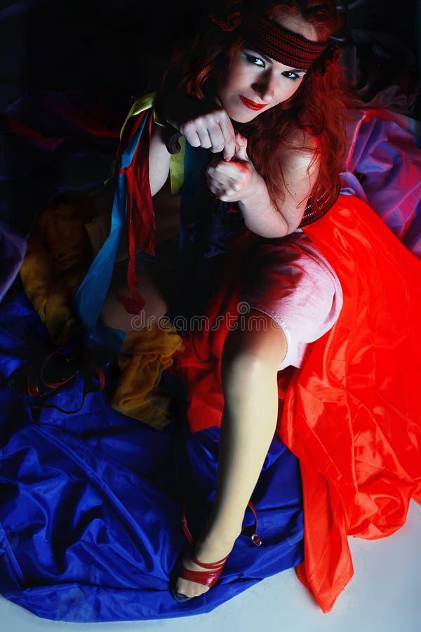 Donna in vestito rosso immagine stock libera da diritti