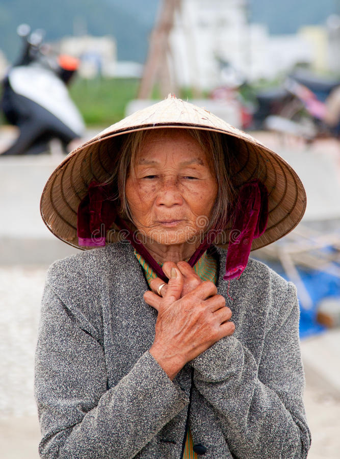 Donna vietnamita anziana fotografie stock