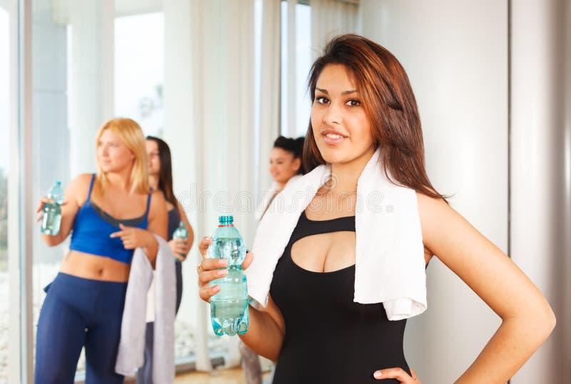 Donne in buona salute di forma fisica immagini stock libere da diritti