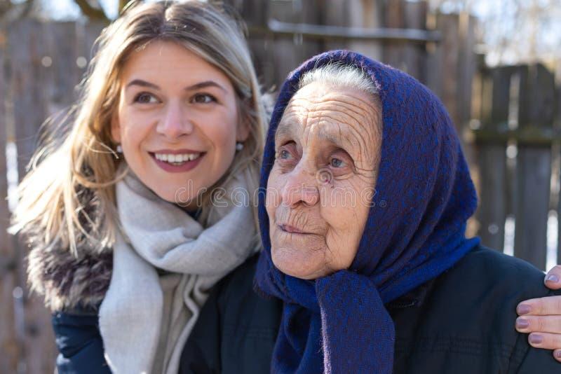 Donne delle generazioni differenti fotografia stock libera da diritti
