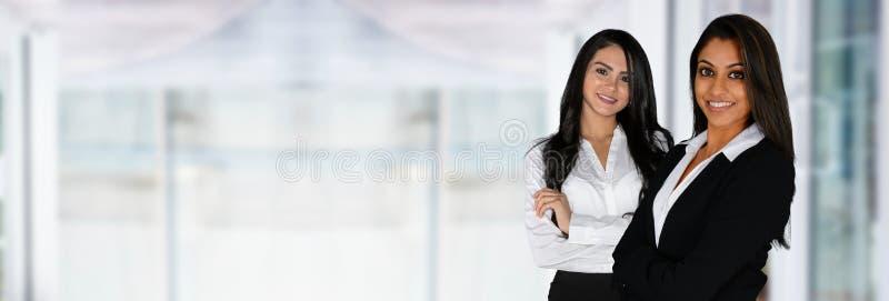 Donne di affari indiane in ufficio fotografie stock