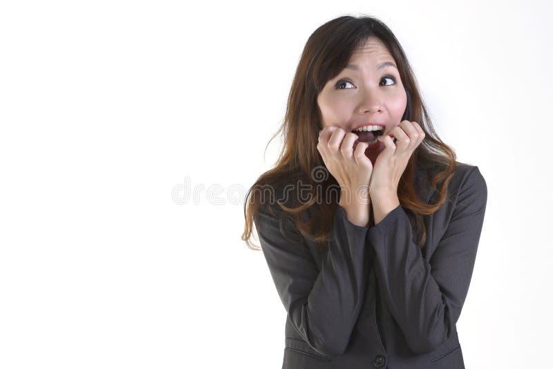 Donne di affari nel sorriso del vestito ed eccitare sul fondo bianco puro fotografie stock libere da diritti