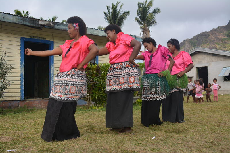 Donne di dancing del Fijian fotografie stock libere da diritti