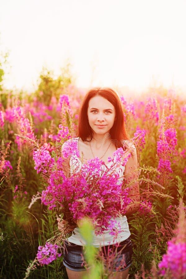 Donne in fiori fotografia stock