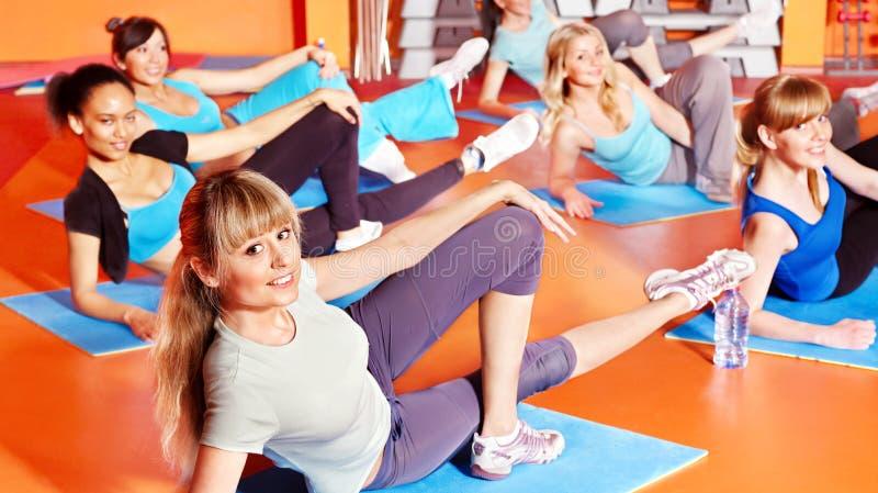 Donne nel codice categoria di aerobics. fotografie stock