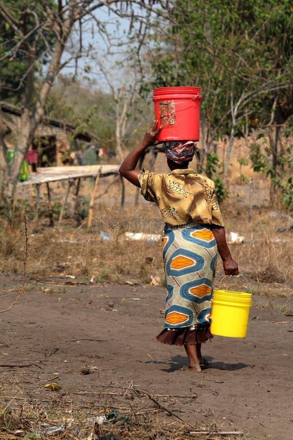Donne nella campagna nel Malawi fotografie stock libere da diritti
