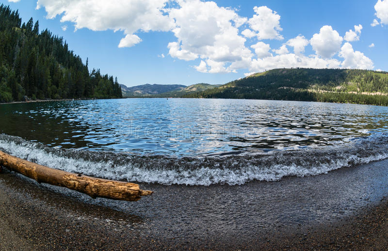 Donner See in der Sierra Nevada-Reichweite stockbilder