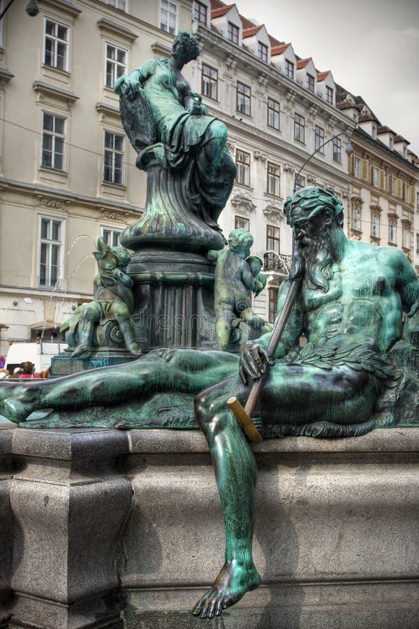 donnerbrunnen喷泉雷维也纳 免版税库存照片
