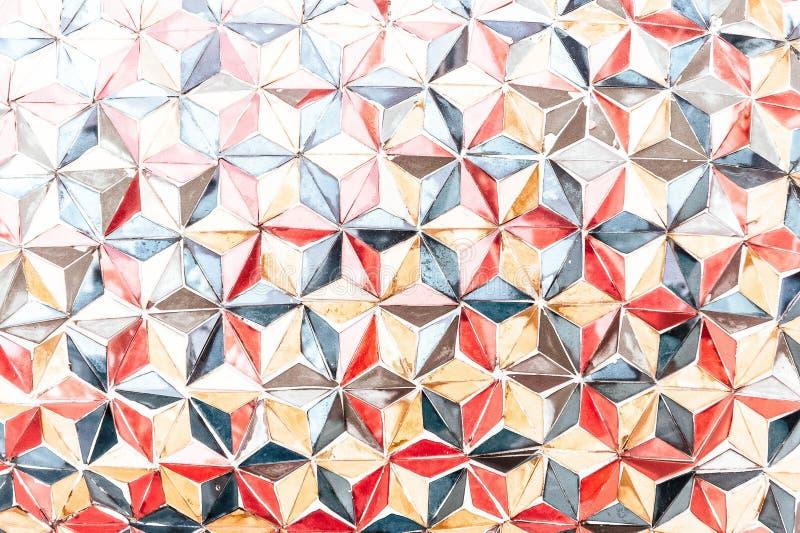 Donnez à un style une consistance rugueuse plus ancien de handmake de vintage d'illustration de mur de triangle de couleur photo stock